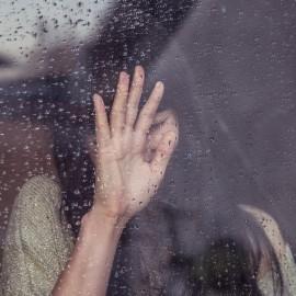 Slzy jako nástroj manipulace